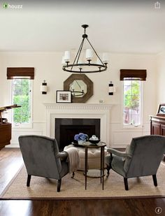 Lakemont - traditional - Living Room - Seattle - Marianne Simon Design-Benjamin Moore Navajo White and wainscoting White Dove Best Paint Colors, Room Paint Colors, Interior Paint Colors, Interior Design, Bedroom Colors, Wall Colors, White Ceiling, White Walls, White Rooms