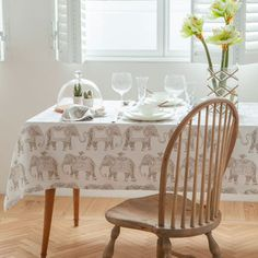 ZARA HOME テーブルリネン ZARA HOME★かわいい象のプリント♪テーブルクロス