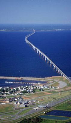 8 mile long Confederation Bridge which connects Prince Edward Island to New Brunswick, Canada. Monuments, Places To Travel, Places To See, New Brunswick Canada, East Coast Travel, Prince Edward Island, Vacation Trips, Vacation Ideas, Construction