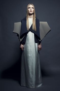 Sculptural Folds - dramatic dress with 3D folded structure // Arena Page