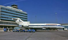 Vintage Aircraft Former airlines (Piedmont) and aircraft (Boeing Atlanta, This was a great livery that suited the form of the airplane. Boeing 727, Boeing Aircraft, Passenger Aircraft, Boeing Planes, New Airline, Vintage Airline, Piedmont Airlines, Best Airlines, United Airlines
