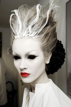Snow queen Halloween makeup holy crap! If I saw this lady in my house I would straight up faint and pee my pants!