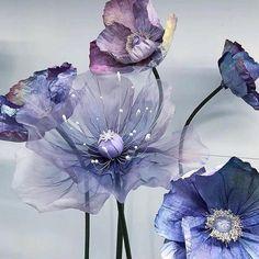 New home decoration handmade paper flowers Ideas Organza Flowers, Crepe Paper Flowers, Fabric Flowers, Giant Paper Flowers, Big Flowers, Wreath Crafts, Flower Crafts, Diy Décoration, Flower Tutorial