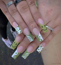 Drip Nails, Bling Acrylic Nails, Acrylic Nails Coffin Short, Square Acrylic Nails, Best Acrylic Nails, Glow Nails, Stylish Nails, Trendy Nails, Cute Acrylic Nail Designs