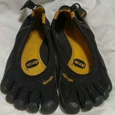 Vibram Fivefingers Barefoot Five Finger Sneakers Super nice, barely worn! Vibram Shoes Athletic Shoes