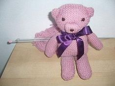 Tricoter un nounours. Yarn Trees, Christmas Diy, Elsa, Teddy Bear, Make It Yourself, Knitting, Toys, How To Make, Animals
