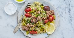 15 Minute Mediterranean Couscous with Tuna and Pepperoncini lazy dinner recipes Diet Dinner Recipes, Delicious Dinner Recipes, Clean Eating Recipes, Healthy Eating, Meal Recipes, Diet Meals, Breakfast Healthy, Skillet Recipes, Clean Eating Tips