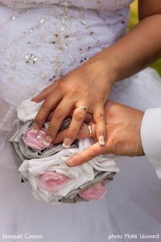mariage romantique nature chic en rose gris blanc - bouquet de mariee original strass Swarovski pour Jennifer - Mademoiselle Cereza deco bijoux accessoires mariée Made in France