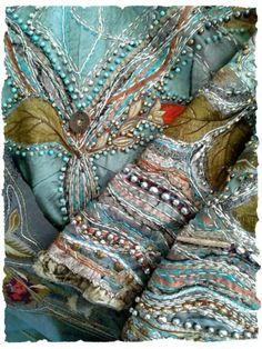 New Embroidery Designs Fashion Ideas Textiles Ideas Embroidery Fabric, Fabric Art, Beaded Embroidery, Embroidery Stitches, Embroidery Patterns, Embroidery Fashion, Fabric Material, Patchwork Fabric, Cross Stitches
