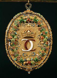 Circa 1510 medallion capsule with miniature portra...