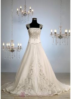 Luxury Classic Style A-line Wedding Gown W2588 A-line/Princess Wedding Dress