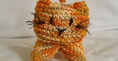I knitted this kitty from this pattern but then decided I& like to try and crochet one. The pattern below is made by me. It& the first pa. Softies, Plushies, Crochet Ideas, Crochet Patterns, Amigurumi Patterns, Crocheting, Free Pattern, Kitten, Toys
