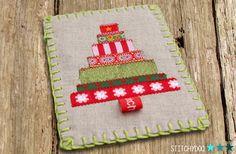 stitchydoo: DIY | Weihnachtskarte mit Weihnachtsbaum aus Webbändern  // #stoffkarte #fabriccard #weihnachten #christmas #christmastree #leinen #linen