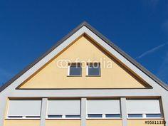 Fenster mit Rollläden in einer Fassade in Beige in Burgheim im Kreis Neuburg-Schrobenhausen