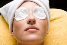 This perfect formula (under-eye mask) helps you to remove under-eye pockets, dark circles .This perfect formula (under eye mask) will help you get rid of pockets under the eyes, dark circles, bumps, wrinkles . Easy Face Masks, Homemade Face Masks, Lemon Face Mask, Under Eye Mask, Les Rides, Layers Of Skin, Puffy Eyes, Tips Belleza, Good Skin