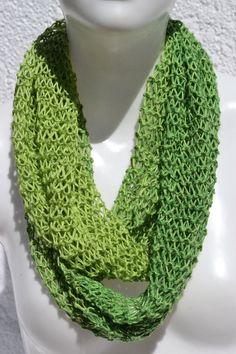 Loop Schlauchschal Schal grün meliert Unikat