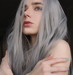 Look At This Article For The Best Beauty Advice. Beauty is essential to today's women. A beautiful woman has it easier in life. People pamper her. Unfortunately, many women are unsure how to begin enhanci Pelo Color Gris, Grey Wig, Gray Hair, White Hair, Ash Grey, Blue Hair, Brown Hair, Aesthetic Girl, Lace Front Wigs