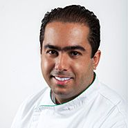 Frederico Tindade. He started his professional career at Club Gourmet in Minas Gerais and in Banco Credit Lyonnais in Belo Horizonte, from 2002 to 2005. Afterwards, he opened both Zé Trindade and O Boteco in 2008/2009. Then, he spent a short period working at both D.O.M. and chef Claude Troisgros' Olympe, in Rio de Janeiro. In France, he studied at both Ecole Escoffier and Lenotrê, in Paris; then he spent a stagio at Maison Troisgros, in Roanne and in Bordeaux, at Restaurant Gravelier.