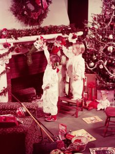 Girls on Christmas Morning Photographic Print by H. Armstrong Roberts