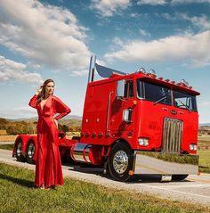 Show Trucks, Big Rig Trucks, Old Trucks, Custom Big Rigs, Custom Trucks, Car And Girl Wallpaper, Peterbilt Trucks, Peterbilt 379, Pin Up