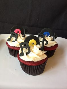 DJ Birthday cupcakes...