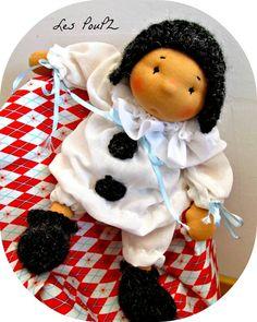 Petit Pierrot is in search of Colombine.-IN LOVE!!!!!❤❤❤❤
