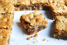 6 bar cookie recipes including this Chocolate Chip Chewy Cookie bars from King Arthur Flour Chip Cookie Recipe, Cookie Recipes, Dessert Recipes, Bar Recipes, Recipies, Sweet Recipes, Make Ahead Desserts, Fall Desserts, Yummy Cookies