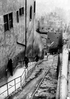 by André Kertész, Montmartre, Paris, 1930's