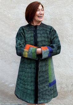 Carla Strappazzon, Belluno BL    2009 Felt Academy Master Class    cappotto reversibile nunofeltro
