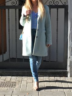 Adding some pretty pastels to your winter outfits is the perfect way to lighten up your everyday style. Keep reading to discover how to style pastels in winter and create outfits that are equal parts cool and adorable. #style #estilo #styleblog #blogdeestilo #pasteloutfits #pasteloutfitideas #winterpastels #outfittonospastel Miss Selfridge, Winter Pastels, Christian Louboutin, Zapatos Shoes, Pastel Outfit, Pretty Pastel, Everyday Fashion, Winter Outfits, Reading