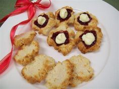 Try this Low Carb Christmas Treats - Coconut Crisps recipe by Chef Ultra Lite. Oven Baked Fries, Clean Eating Desserts, Crisp Recipe, Pumpkin Soup, Nutrition Tips, Christmas Treats, Fitness Diet, Low Carb, Coconut