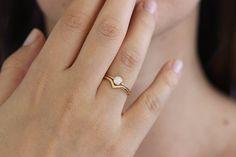 Diamant-Hochzeit Set mit einem gekrümmten Hochzeitsband von artemer