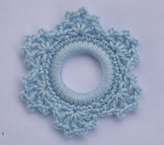 crochet snowflake, site has other crochet ring ornaments