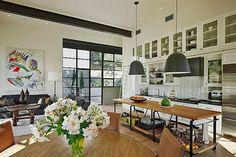Solución 351: cómo iluminar un ambiente con techo alto  Foto:Homeadore