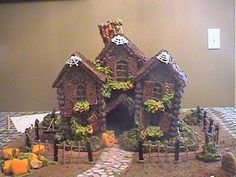 next Halloween! Haunted Ginger Bread house! Ultimate Gingerbread - Patterns: FREE Patterns