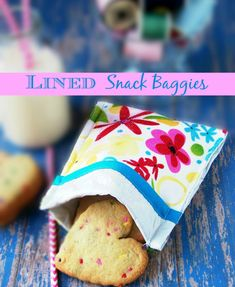 Lined Snack Baggie tutorial. Washable and re-usable!  Perfect for lunches on the go. sewlicioushomedecor.com