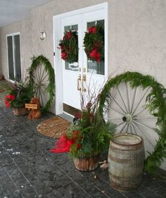 Christmas Decor - traditional - entry - calgary - Your Space By Design Western Christmas Decorations, Western Christmas Tree, Christmas Lodge, Christmas Horses, Cowboy Christmas, Christmas Tree Wreath, Christmas Porch, Farmhouse Christmas Decor, Primitive Christmas