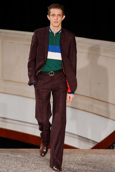 See the complete Paul Smith Fall 2016 Menswear collection.