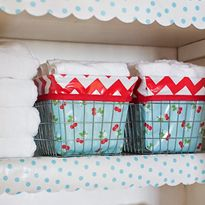 Scalloped Oilcloth Shelf Liner Tutorial