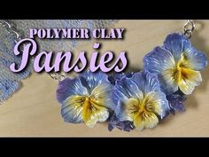How to make small pansies. Includes Skinner Blend and how to paint dark lines on the flowers~ Polymer Clay Flowers Polymer Clay Kunst, Polymer Clay Canes, Polymer Clay Flowers, Polymer Clay Miniatures, Fimo Clay, Polymer Clay Projects, Polymer Clay Jewelry, Clay Crafts, Clay Design