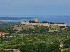 Platamonas castle - Κάστρο Πλαταμώνα Greek Castle, Medieval Castle, Byzantine, Grand Canyon, Greece, Old Things, Tower, Travel, Instagram