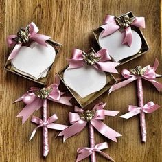 Pembe Kurdele düğününüz yada nikahınızda misafirleriniz tebriklerini yazabilecekleri kalp not kağıtlarını hazırladı   www.pembekurdelee.net