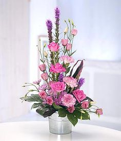 Modern Flower Arrangements | Pretty in Pink