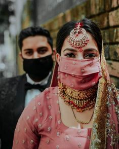 We're completely in awe of couples who are flawlessly pulling off masks at their wedding while keeping up with their style game! Wedding Rituals, Sikh Wedding, Bridal Mask, Bridal Makeup, Bridal Photography, Bridal Outfits, Traditional Outfits, Newlyweds, Bridal Accessories