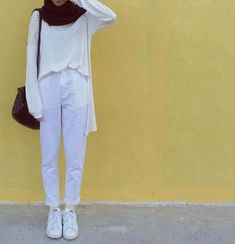 Fashion Hijab Simple Casual Ideas Source by hijab Hijab Casual, Hijab Fashion Casual, Hijab Simple, Street Hijab Fashion, Hijab Chic, Muslim Fashion, Modest Fashion, Casual Outfits, Fashion Outfits