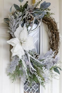 53 Easy Rustic Wreath Ideas to Welcome Your Guest # Design White Wreath, Diy Wreath, Grapevine Wreath, Tulle Wreath, Burlap Wreaths, Wreath Ideas, Cowboy Christmas, Silver Christmas, Christmas Diy