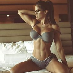 Mega Hottie @michelle_lewin!  by @leelhgfx  #MustFollow #Model #fitness #fitnessmodel #fitchick #abs #sexy #Glasses #hotchicks #gorgeous #babes