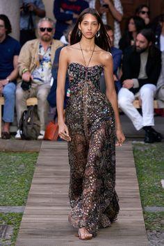Etro Spring 2020 Ready-to-Wear Fashion Show - Vogue Fashion 2020, Runway Fashion, High Fashion, Haute Couture Style, Milano Fashion Week, Mode Editorials, Irina Shayk, Fashion Show Collection, Mode Style