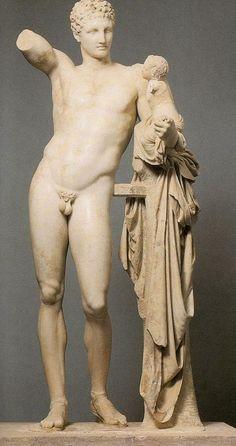 """Hermes e Dionísio"""", mármore, de Praxíteles, séc. IV a.C. Museu Arqueológico de Olimpia."""