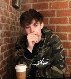 Cute Teenage Boys, Bad Boys, Beautiful Boys, Pretty Boys, Bad Boy Aesthetic, British Boys, Stylish Boys, Best Friend Pictures, Cute Gay
